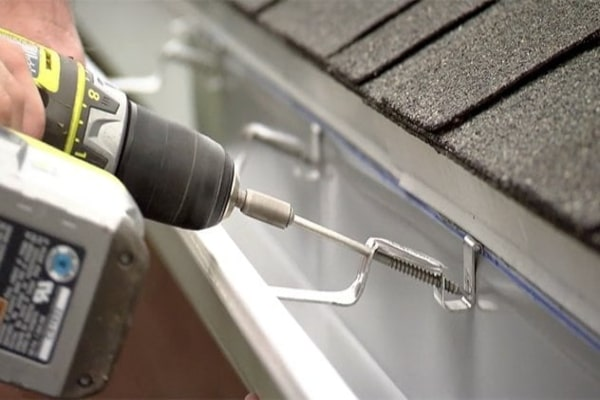 professional roofers in swindon APS